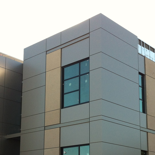 ARCIS architectural panels on Women's Center in Grants Pass, Oregon